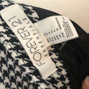 Forever 21 Dresses - Forever 21 black/white houndstooth dress